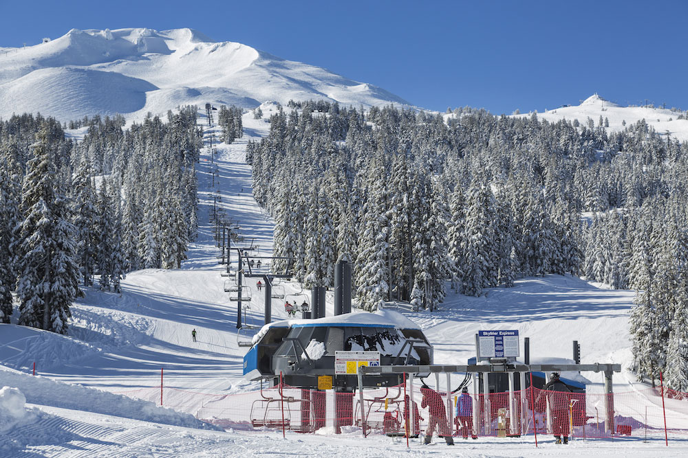 skiing-mt-bachelor-bend-oregon